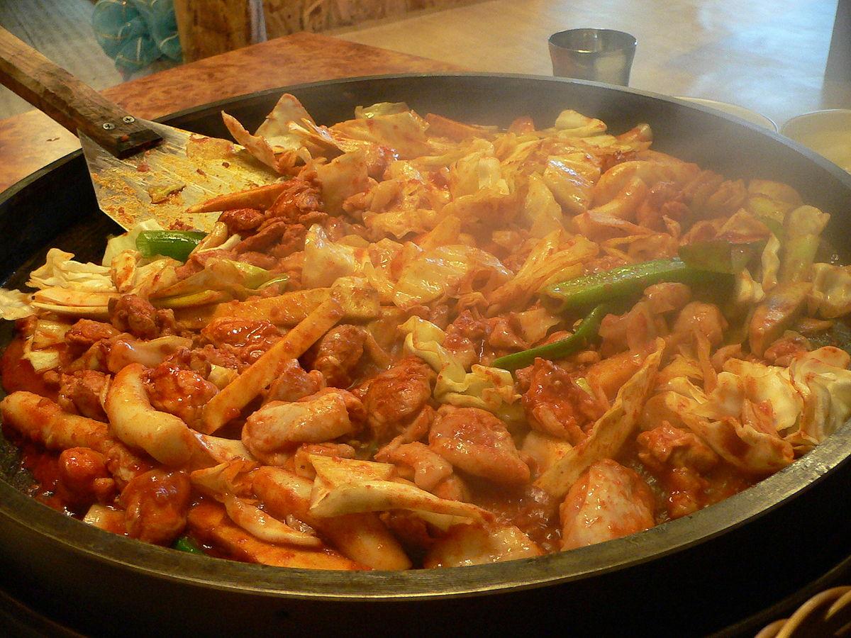 エスコートアガシと韓国料理 タッカルビ