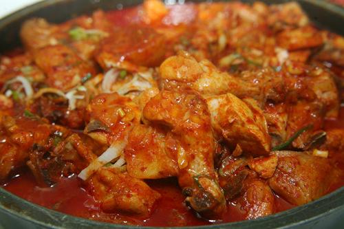 エスコートアガシと韓国料理 タットリタン