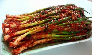 エスコートアガシと韓国料理 パキムチ