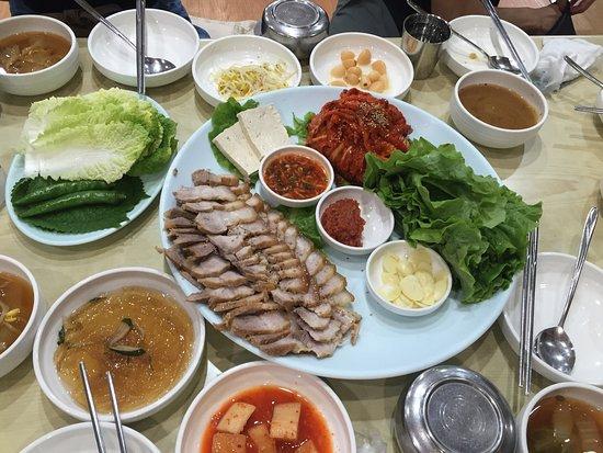 韓国エスコートアガシと韓国料理 ボッサム