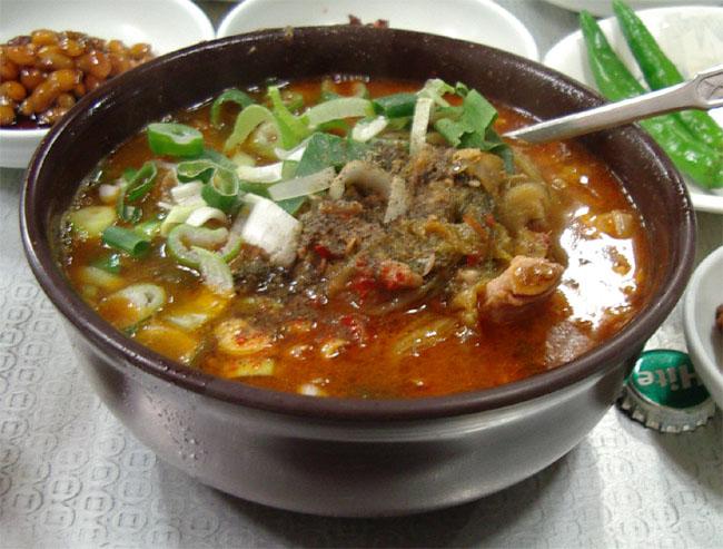 韓国エスコートアガシと韓国料理 ヘジャンクク