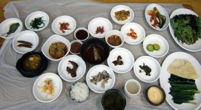 韓国エスコートアガシと韓国料理 サムパプ