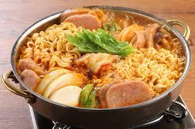韓国エスコートアガシと韓国料理 ブデチゲ
